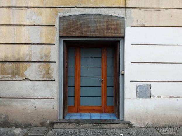 Magazzino a Aversa, via Cesare Golia, 1 locali