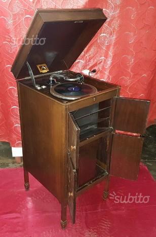 """Antico Grammofono """"La voce del padrone"""" del 1920'"""