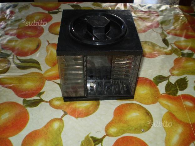 Cubo portacassette audio