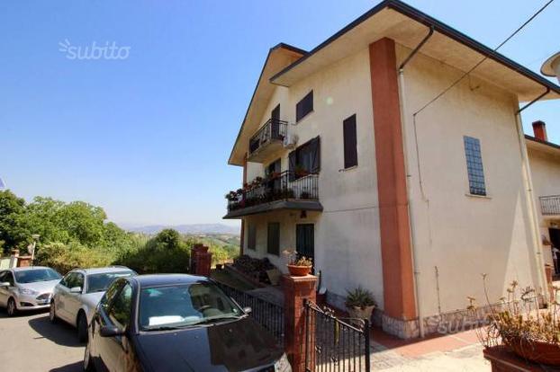 Villa a San Giorgio del Sannio, 6 locali