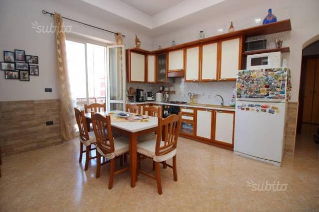 Appartamento a Napoli, 3 locali