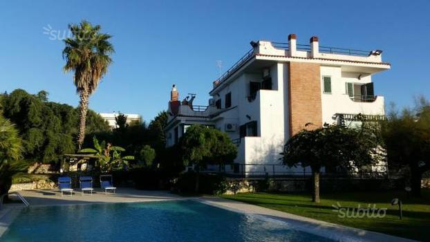 Villa a Giugliano in Campania, 6 locali