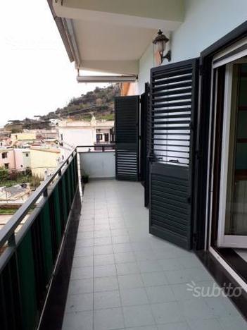 Appartamento a Bacoli, via Cerillo, 4 locali