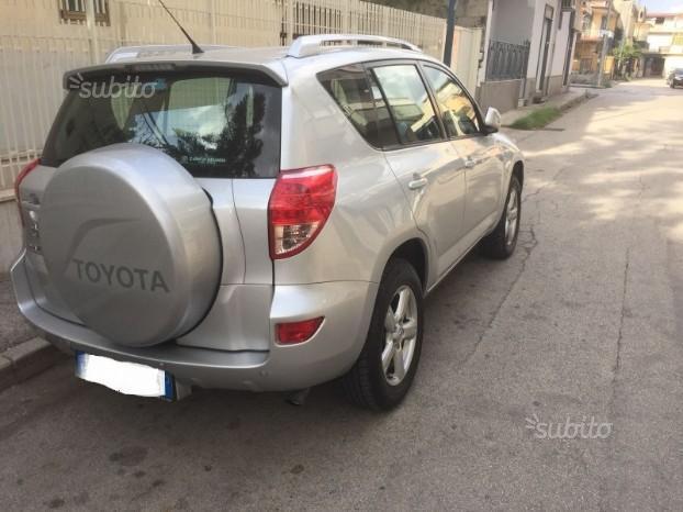 Toyota Rav 4 2.2 d-4d 136cv 4x4 (BELL A) Uniprop