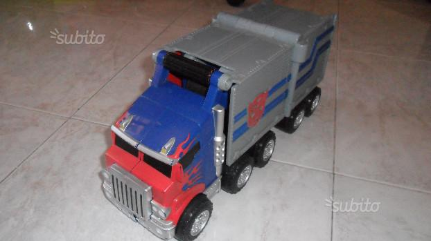 Camion trasformer