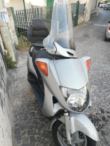 Scooter honda phanteon 150