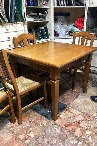 Tavolo pieghevole lunghezza 2 metri e 4 sedie