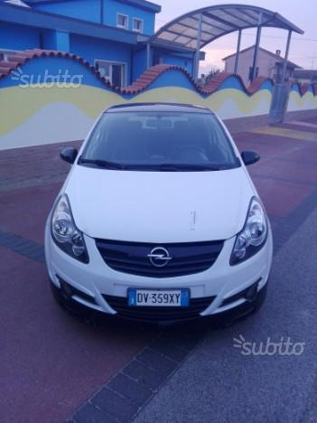 OPEL Corsa 4ª serie - 2009 limited edition