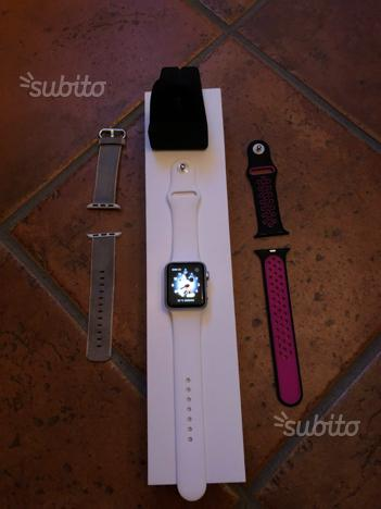 Apple iWatch 38mm come nuovo e vari cinturini