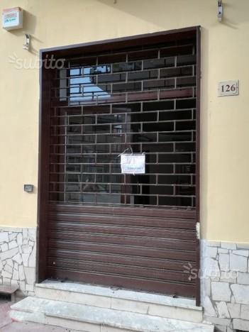 Locale commerciale 45 mq ristrutturato comfort