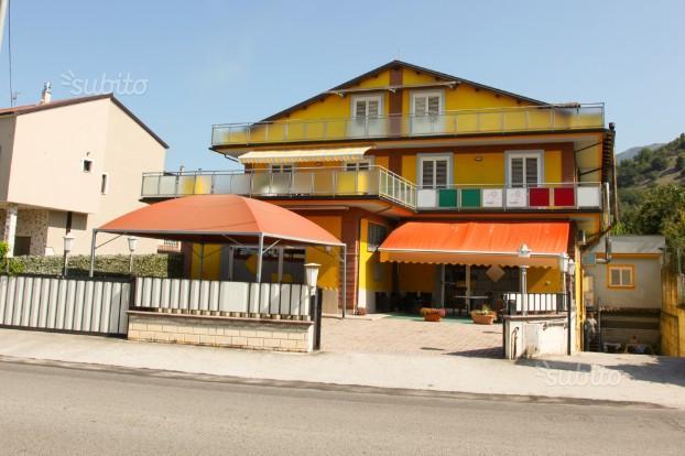Casa indipendente Locali commerciali Garage 4 liv