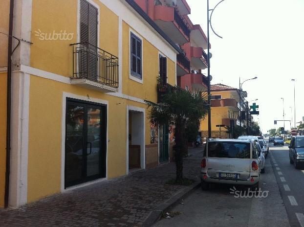 Locale Commerciale Battipaglia via Rosa Jemma 329