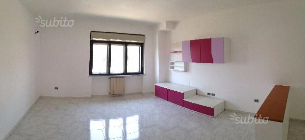 Ufficio Santa Chiarella (con possibilità deposito)