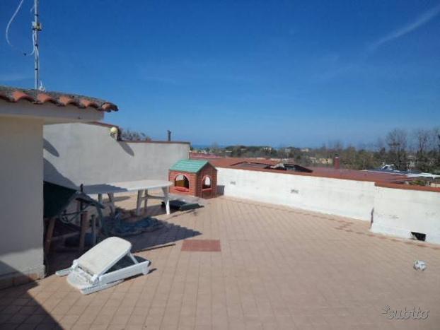 Villa a Giugliano in Campania, 4 locali