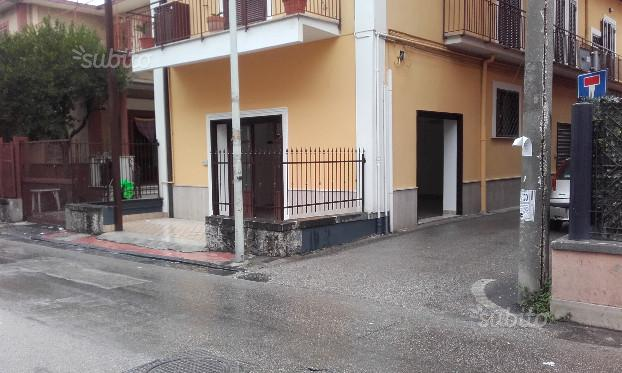 Melito di Napoli, adiacente Corso principale