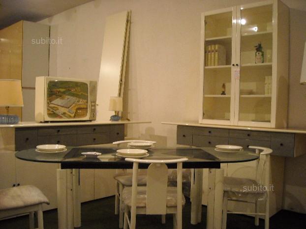Sala nuova bianca con tavolo ovale + 6 sedie