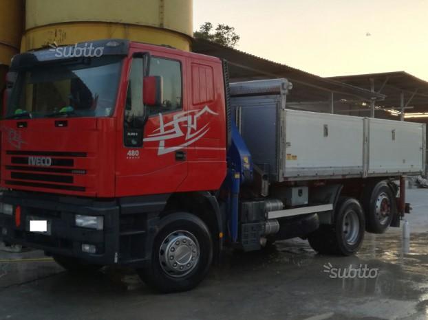 Camion iveco cursor 430 con gru e ribaltabile