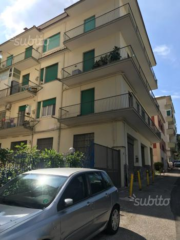 Camera singola quartiere Fuorigrotta via Coriolano