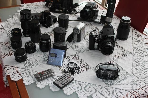 Macchine fotografiche professionali + obbiettivi