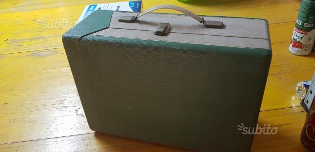 Giradischi a valigia