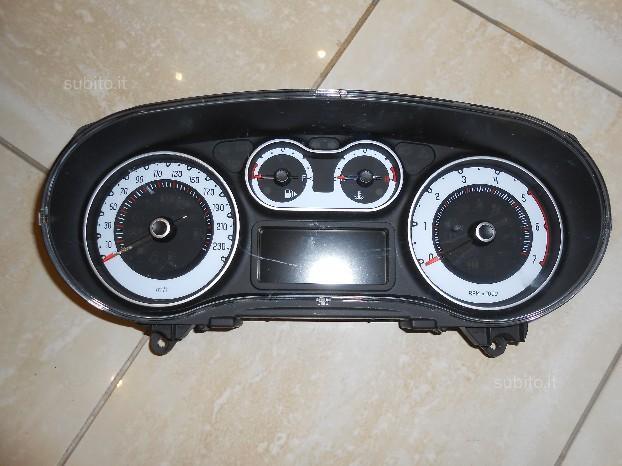 Veglia contachilometri Fiat 500 L