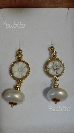 Orecchini in perla coltivata e cammeo