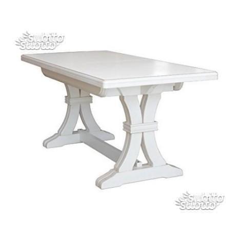 Tavolo in legno classico allungabile
