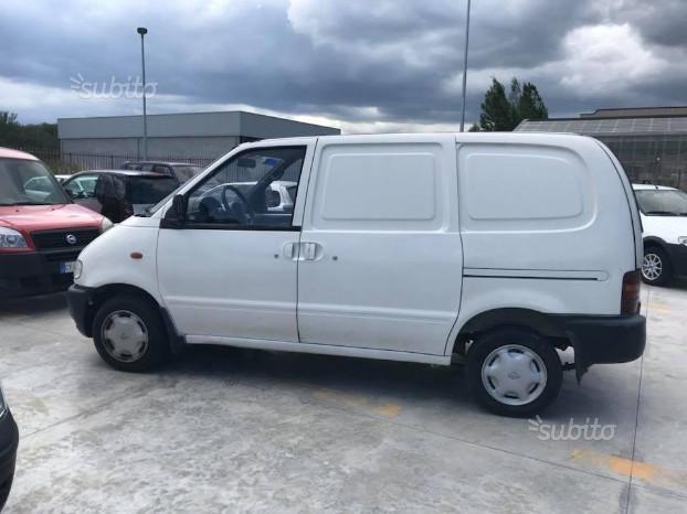 Nissan vanette 2.3 td 75cv