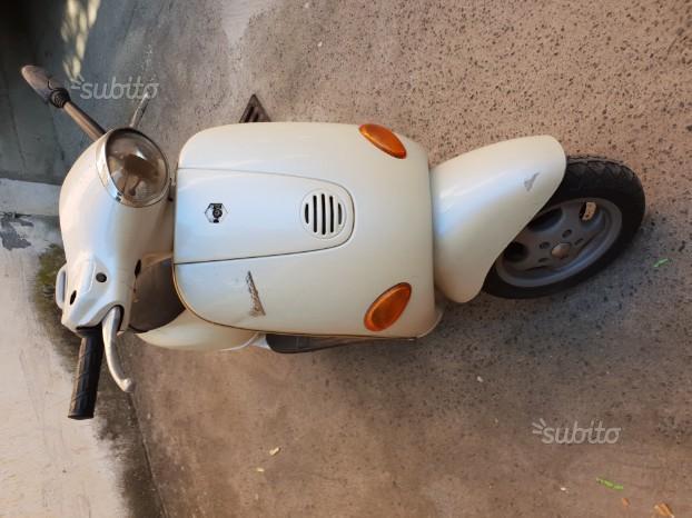 Piaggio Vespa 125 ET4 - 1999
