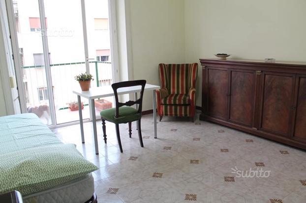 Disponibile una Stanza Zona Vomero/Arenella