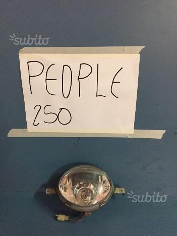Faro anteriore people 250