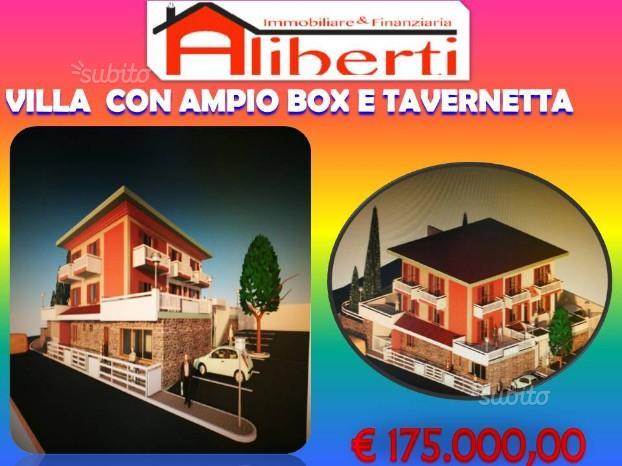 Porzione di villa con ampio box e taverna