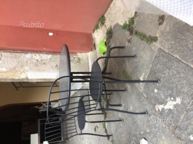 Sedie e tavolini