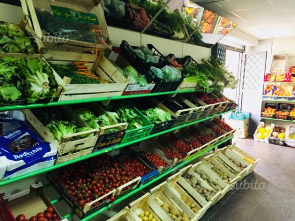 Negozio frutta e verdura in Caserta centro