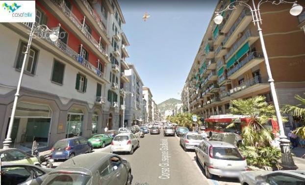 Salerno-Corso Garibaldi-Locale commerciale