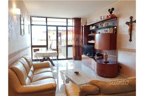 Appartamento Ristrutturato Caivano (Na)
