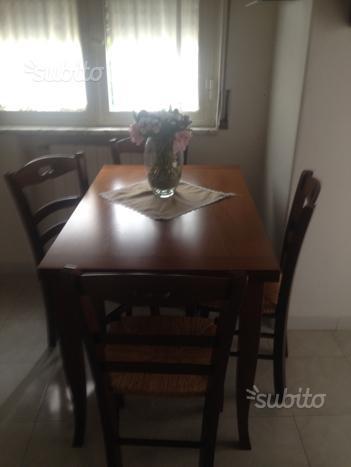 Tavolo legno + 4 sedie