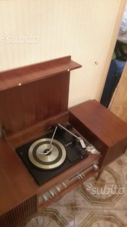 Radiogiradischi vintage anni 60