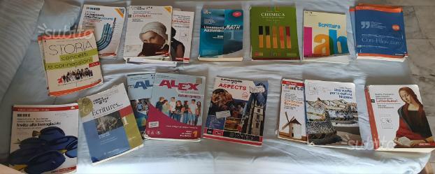 Vendita libri scolastici a metà prezzo