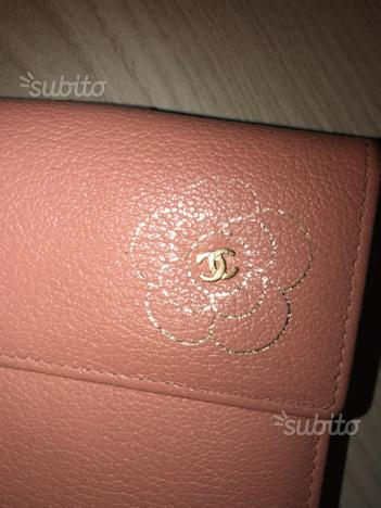 Portafoglio Chanel cameliá rosa