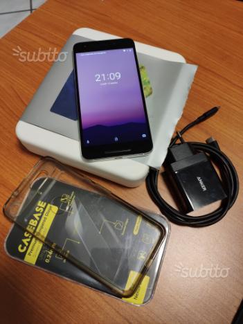 LG Nexus 6P bianco 3-64GB con caricabatterie