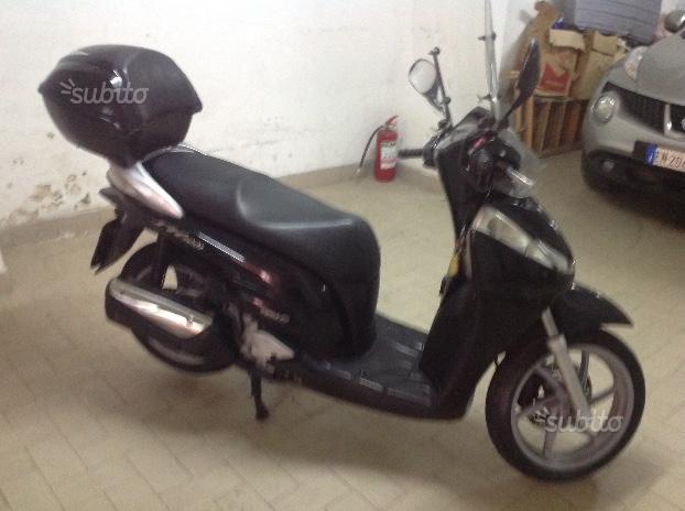Honda sh 300 1.pro neromet km34.000 ttoriginale
