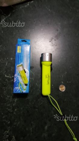 Torcia subacquea led