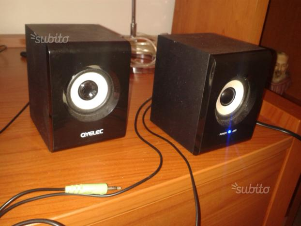 Coppia casse audio amplificate