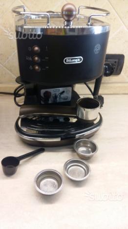 Macchina del caffè espresso Delonghi