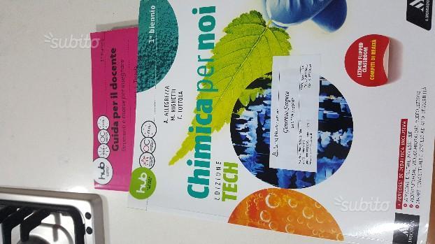 Libro chimica per noi