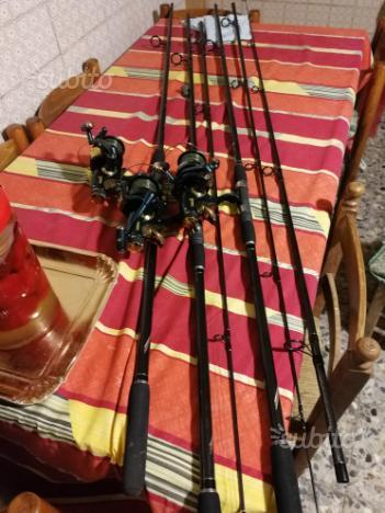 Vedo attrezzatura per la pesca alla carpa