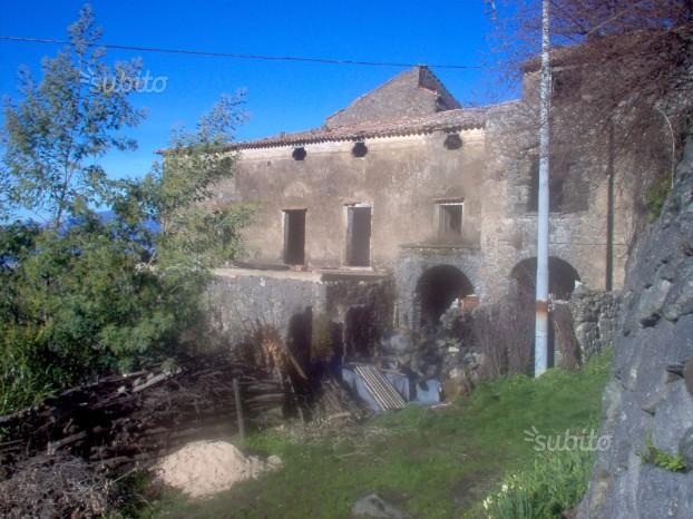 Antico Casale in posizione panoramica