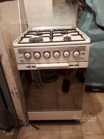 Cucina , fornelli e forno