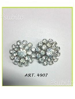 Gancio metallo argento con strass 1 pz. euro 14.00